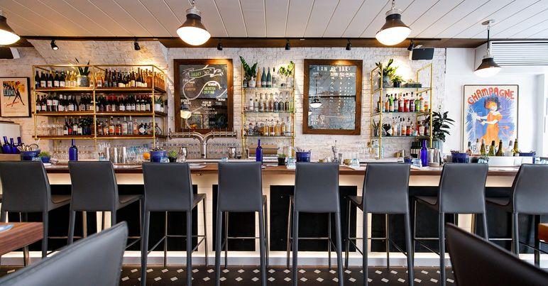 167 Raw Oyster Bar